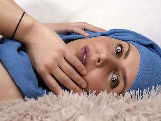 seductive hijab camgirl adaramuslim