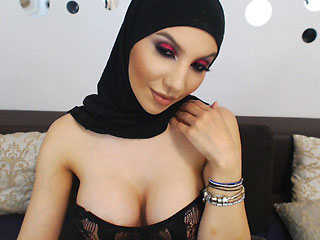 hijab kuwaiti hottie with cleavage missfathia